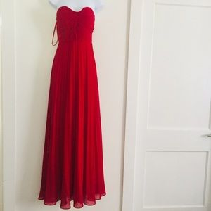Red Bridesmaid gown Electric Plates